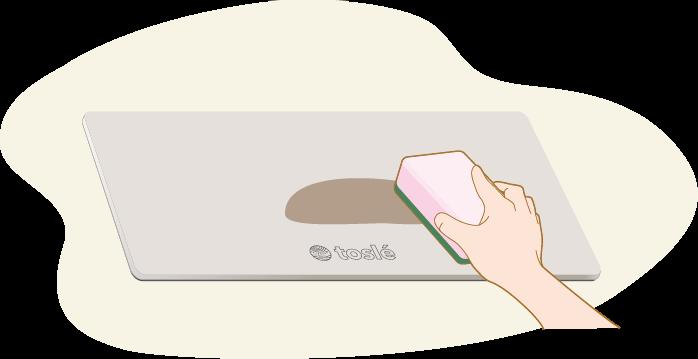 汚れが付着した場合は、表面にさっと水をかけ固めのスポンジ等で表面を強く擦ってください